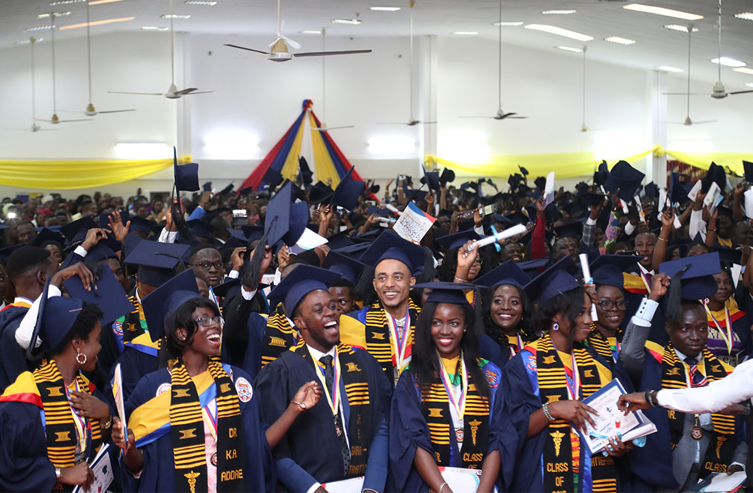 Graduates jubilating at the Congregation